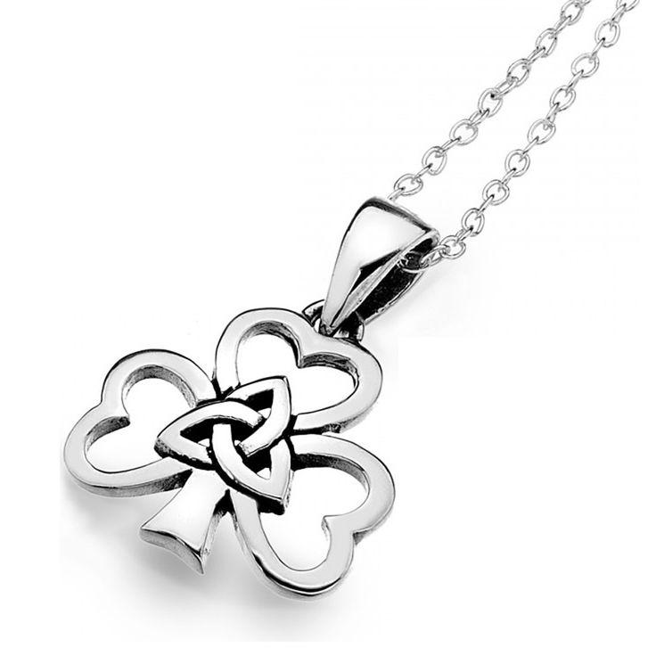 Très joli bijou en argent en forme de trèfle Irlandais avec noeuds entrelacés en son milieu.