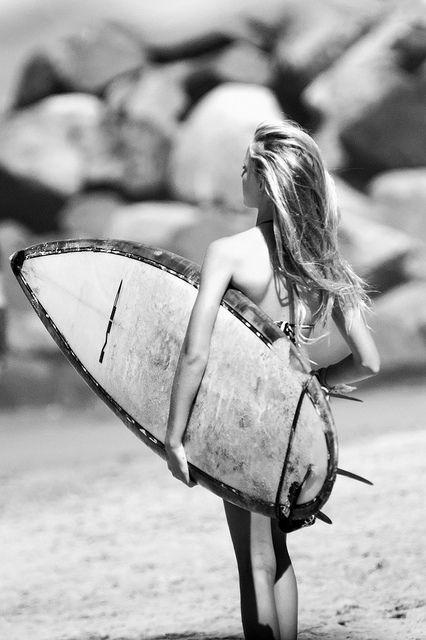 black and white surfer images | black and white, girl, girl surfer, hair - image #682535 on Favim.com
