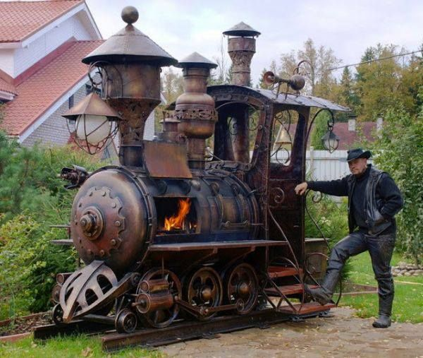 This has to be the best #BBQ smoker I've ever seen. #Train #Summer #Smoker
