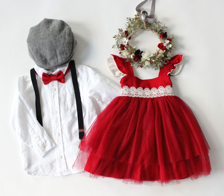 Styled children's photos, holiday photos, Christmas photo ideas, what to wear family photos, sibling sets, family photo ideas, photo ideas, what to wear for photos, suspenders, bow ties, flower halos. Available to rent for photos and special occasions at www.raineyscloset.com.