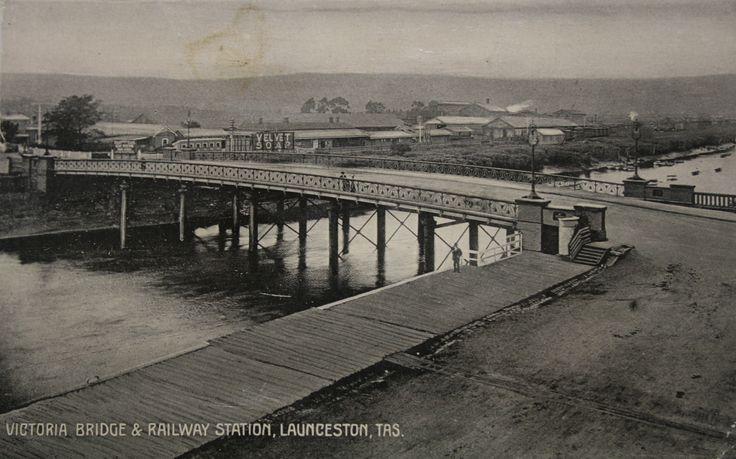 Victoria Bridge built by Tamar Foundry
