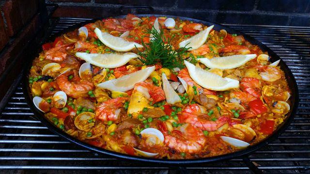 Paella | Kleine Dorfküche Leckeres Outdoor-Rezept