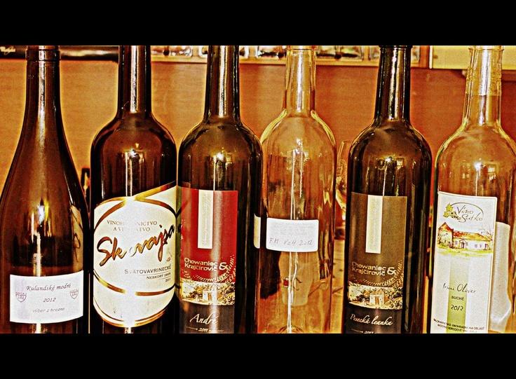Vino Satko, Irsai Oliver 2012;  Vínne pivnice Chowaniec & Krajčírovič, Pesecká leanka, kabinet 2012;   Jozef Navara - Navin, frankovka modrá, VzH 2012;   Vínne pivnice Chowaniec & Krajčírovič, André 2011;   Vino Skovajsa, Svätovavrinecke, NZ 2011; Hacaj, Rulandské modré (Pinot noir), VzH 2012