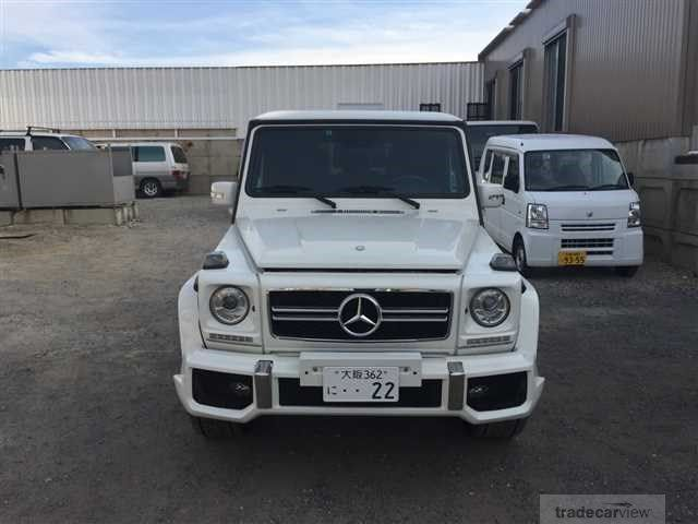 2006 Mercedes-Benz G-Class (I prefer any petrol model from 2001 and later)