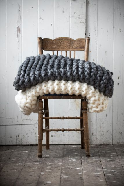 Milo & Mitzy chunky blankets.   Want to make these