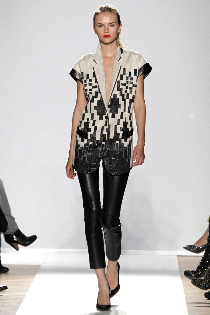 Barbara Bui Spring 2013 Ready-to-Wear Collection Photos - Vogue
