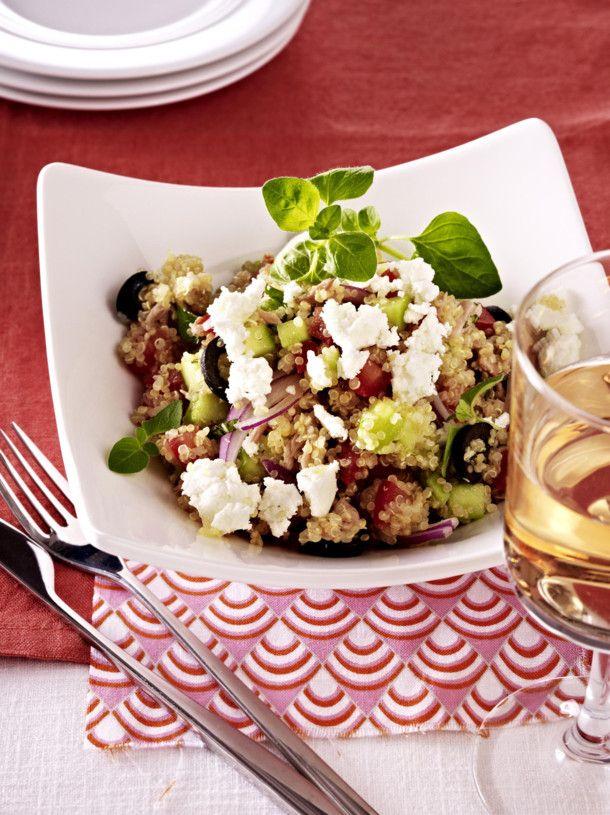 Unser beliebtes Rezept für Quinoa mit Feta, Thunfisch und Oliven und mehr als 55.000 weitere kostenlose Rezepte auf LECKER.de.