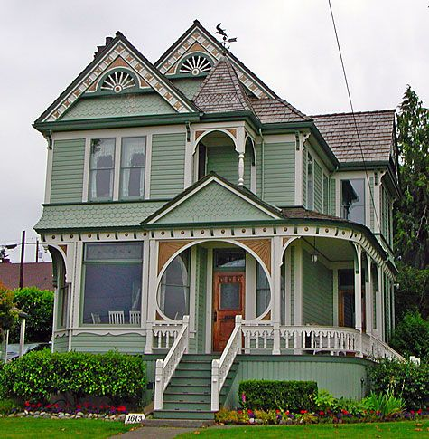Victorian style homeVictorian House, Dreams Home, Home Exterior, Victorian Home, Dreams House, Exterior Painting Colors, Green House, Dolls House, Painting Lady