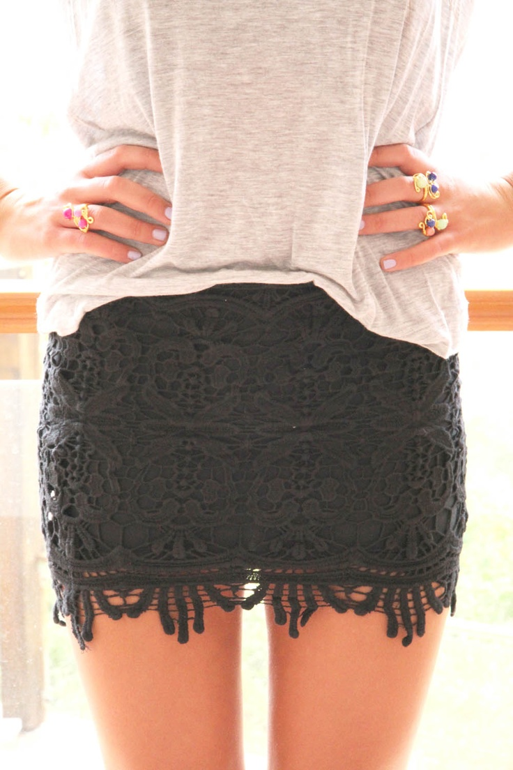soft tee. black lace.: Fashion, Black Lace Skirt, Skirts, Style, Outfit, Black Laces