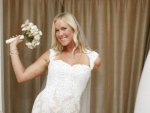 Bethany Hamilton marries Christian youth minister Adam Dirks | GrindTV.com ......we love Bethany Hamilton!