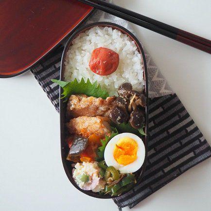 posted by @TAMAKI12620 山賊焼とゆで卵弁当。 http://281k2.blog.fc2.com/blog-entry-547.html … こっちが今日の。内容が同じでもお弁当は美味しい。 #お弁当 #obentoart #お腹ペコリン部 #料理好きな人と繋がりたい #foodie #長野