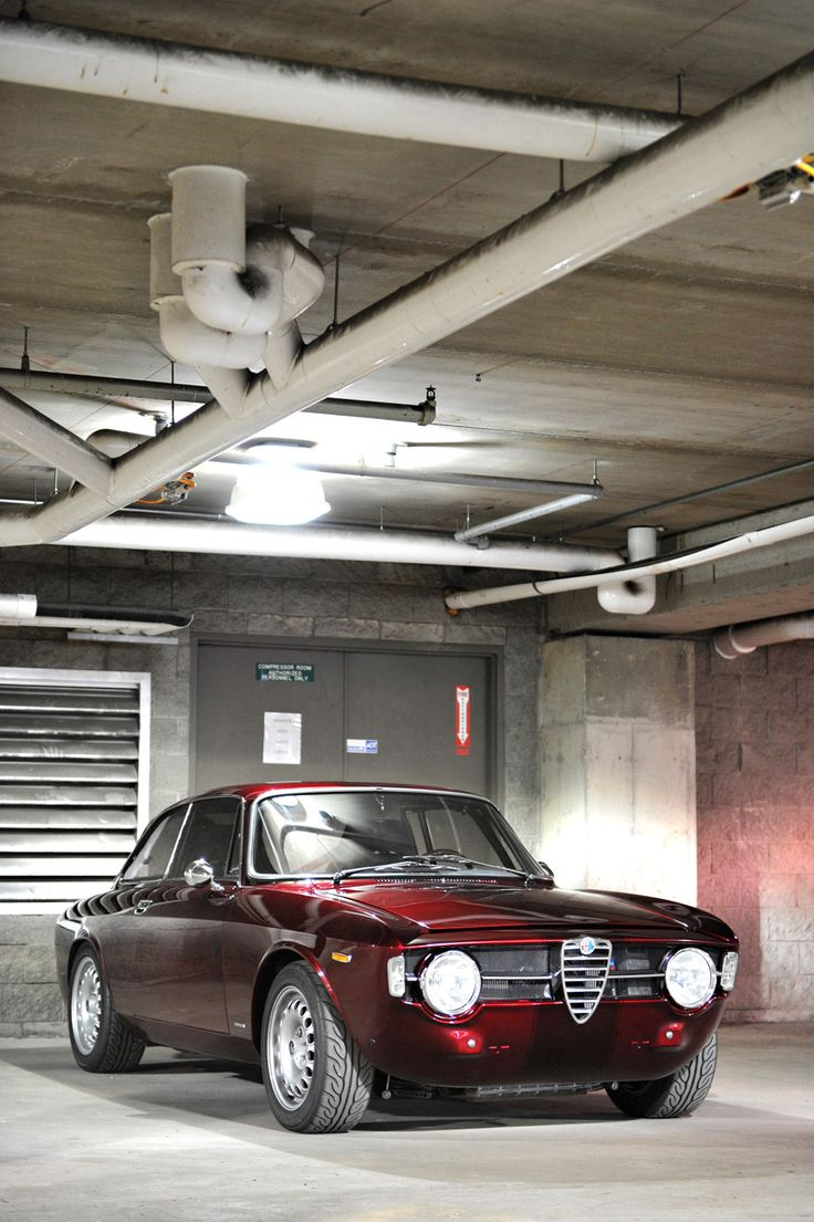 Gotta love the Italians design sensibilities when it comes to cars. Oh Alfa, how beautiful art thou