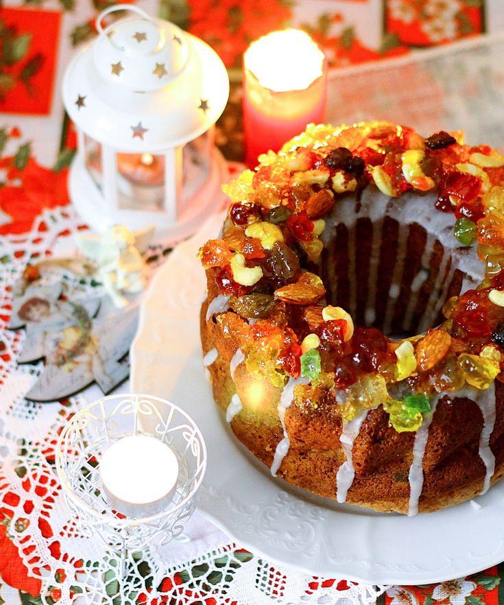 Необычайно ароматный рождественский кекс с ромом и цукатами пекла на Рождество...           А какой у него декор! Из мармелада... Прямо с...