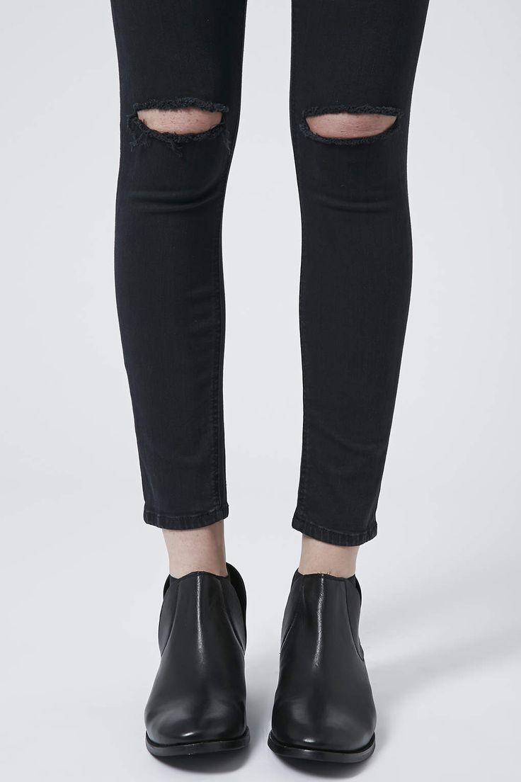 Ripped knee jeans, es corte en la rodilla de los vaqueros.