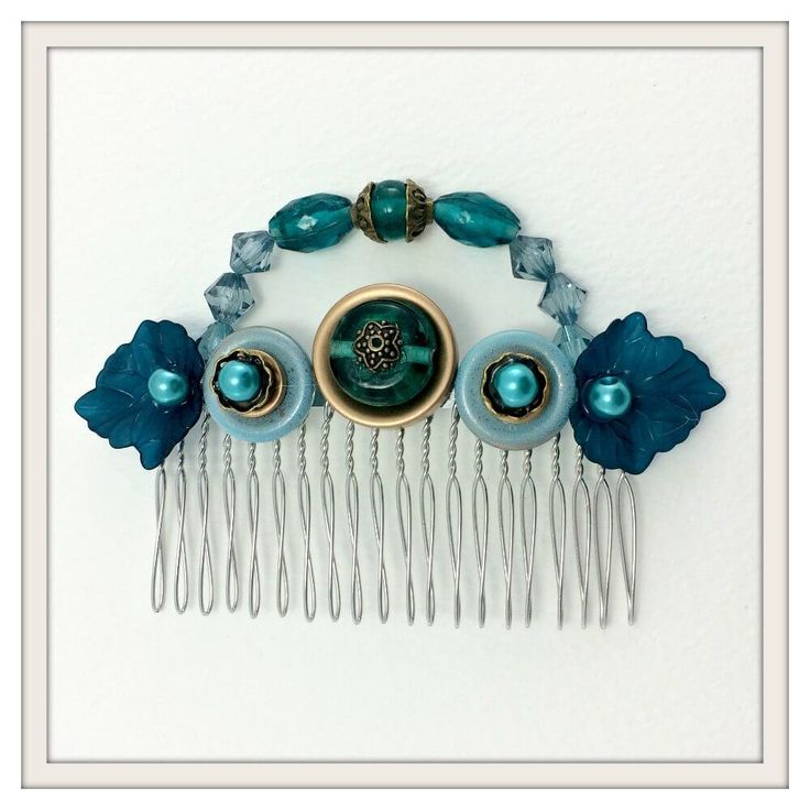 peacock-nouveau-hair-comb-square-framed