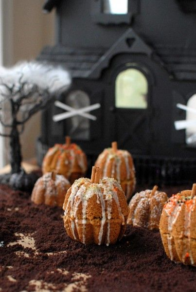 Mini Rustic Pumpkin Spice Cakes   BoulderLocavore.com  #halloween #fall #glutenfree