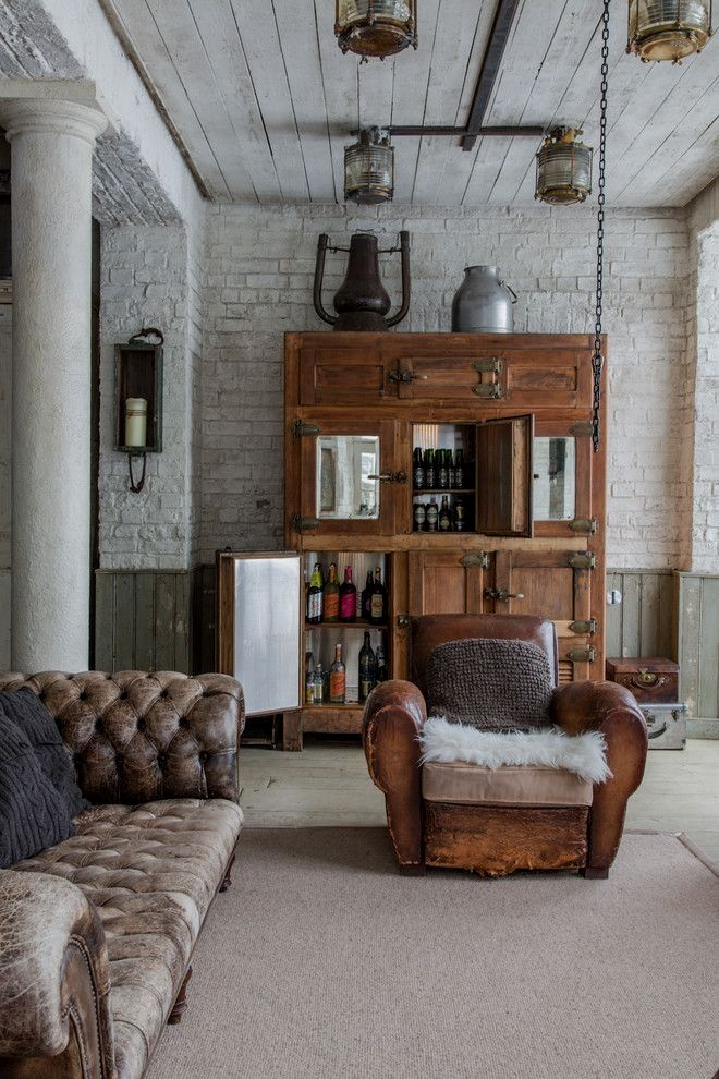 Stunning Industrial Vintage Decor Designs For A Brick Steel Living Space Industrial Vintage Living Vint Traditional Family Rooms House Interior Interior