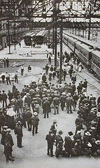 Immigrants arriving at Winnipeg station, MB, circa 1909