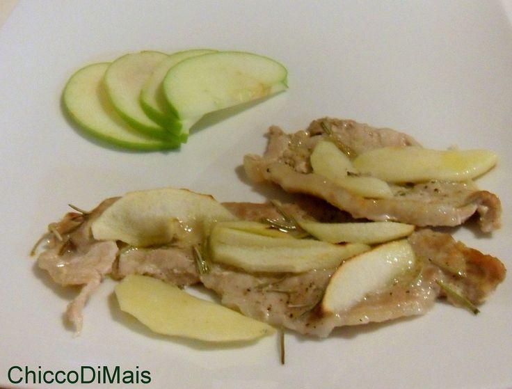 Fettine di maiale alla mela verde ricetta al forno il chicco di mais http://blog.giallozafferano.it/ilchiccodimais/fettine-maiale-alla-mela-verde-ricetta-al-forno/