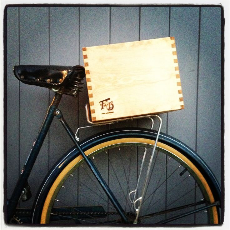 FINN & BURNSIE finger joint bike box.