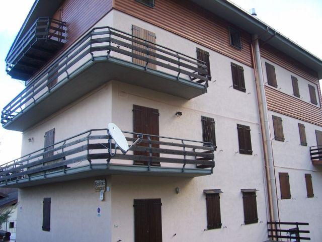 Appartamento Abetone Faidello Mansarda Due Vani Mq 35 Rich. € 55.000 tratt. Appartamento Affitto Mansarda Due Vani 6 posti letto Rich. € 2.500 piu consumi riscaldamento ed elettrictà.