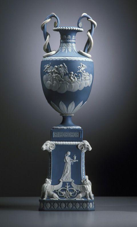Wedgwood vase, 'Venus in her chariot', c1787