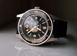 Very nice retro diver; Helson Skindiver - http://www.helson-watches.com/skindiver/