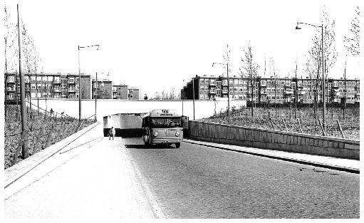 Tunnel bij kleinpolderplein (1957) onder de A13.