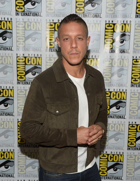 "Theo Rossi Photos - Actor Theo Rossi attends the ""Luke Cage"" press line during Comic-Con International 2016 at Hilton San Diego Bayfront on July 21, 2016 in San Diego, California. - Netflix/Marvel's Luke Cage at San Diego Comic-Con 2016  NETFLIX"