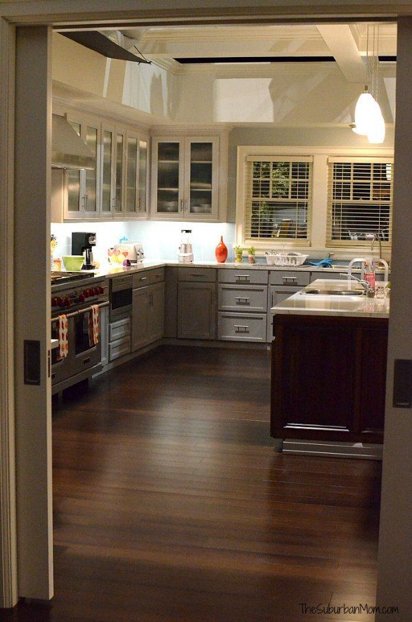 Exclusives, Black And Kitchens