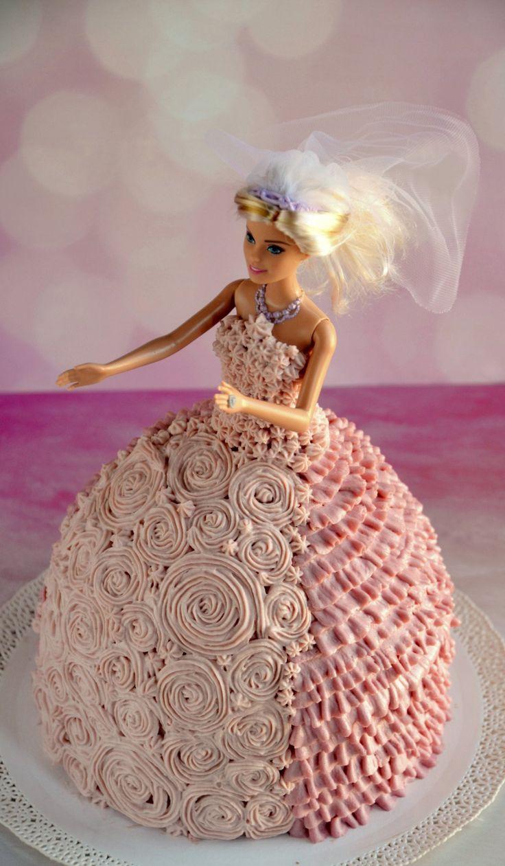 Barbie torta készítése házilag, krémes díszítéssel, habzsákkal, útmutató  Barbie cake tutorial, piping technique