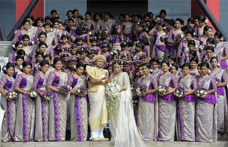 World Record of 126 bridesmaids at this Sri Lankan wedding!!
