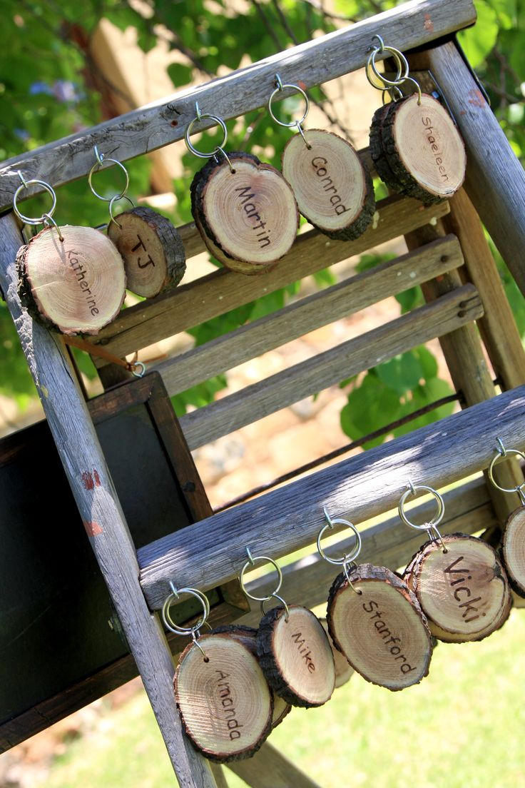 Rustic ladder display of guest favour keyrings