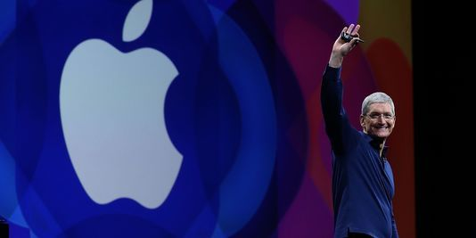 Siri emojis Apple Pay... les nouvelles annonces d'Apple - Le Monde   Siri emojis Apple Pay... les nouvelles annonces d'Apple       LE MONDE | 13.06.2016 à 23h54  Mis à jour le 13.06.2016 à 23h56 | Par Florian Reynaud  Comme chaque année Tim Cook a commencé par vanter les chiffres de l'entreprise annonçant que la barre des deux millions d'applications sur son magasin en ligne App Store et des 130 milliards de téléchargements a été dépassée. La nouvelle était quelque peu éventée : l'assistant…