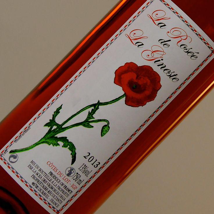 Franse rosé wijn uit Sud-Ouest (Cahors). In de neus fris en fruitig. Je ruikt het kleine rode fruit overal bovenuit. Lekker zomers wijntje met vrienden in de zon. De smaak is fris met een heel klein zoetje wat hem lekker drinkbaar maakt.