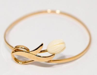 AVON-Gold-Tone-Bangle-Closed-Cuff-Bracelet-w-Lucite-White-Rose-Accent-1428