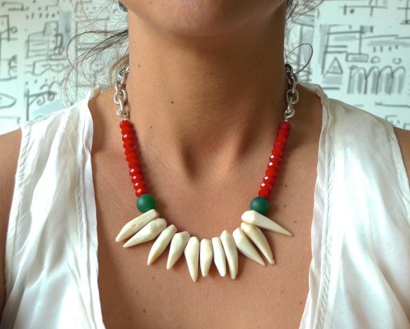 154 best necklaces images on pinterest paint for Piedras naturales