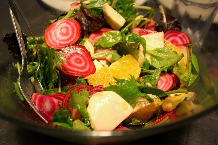 Madlaboratoriet: Grøn salat med bolchebeder, appelsin og mozzarella...