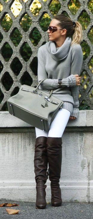 grey sweater/grey bag/white jeans/brown boots. How to wear white in the winter