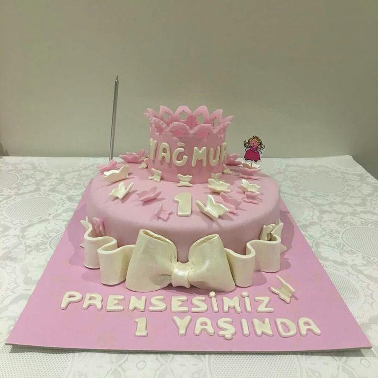 1 yaş pastası... One years cake...