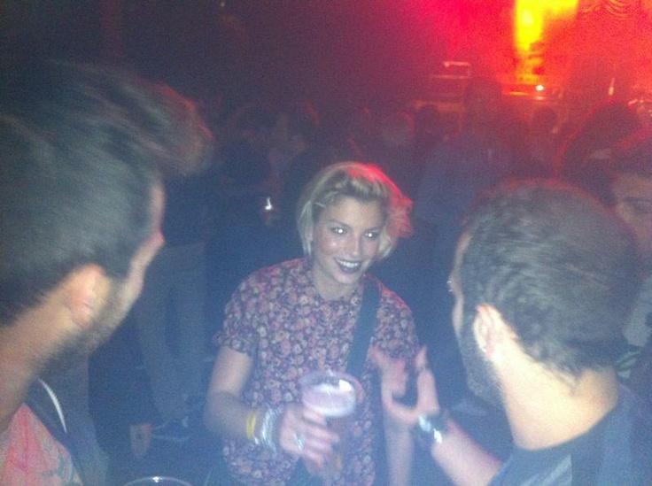 @Emma_Marrone saluta i #fan dopo averli fatti sgolare e ballare per il #PugliaSoundsinLondon