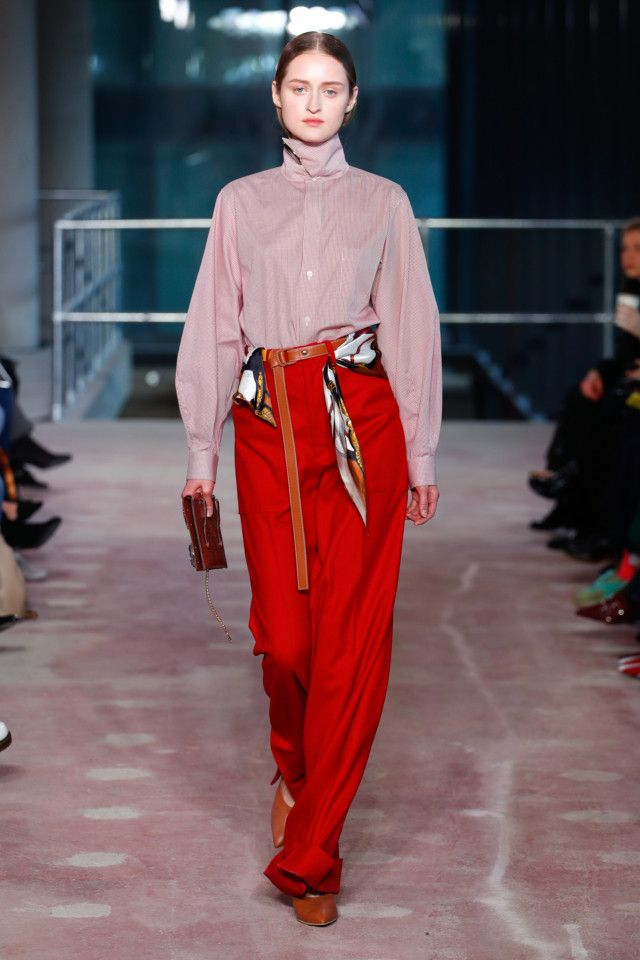 cbf0e1d8d77f Коллекции   Ready-To-Wear   Осень-зима 2018 2019   VOGUE   fashion ...