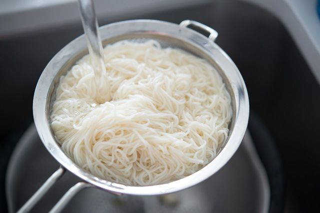 Cold Asian Noodles Recipe with Cucumber and Egg