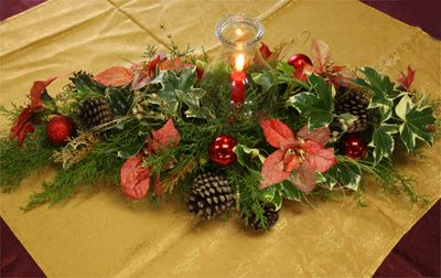 Arreglos florales navide os centro de mesa con quinqu for Arreglos navidenos para mesa