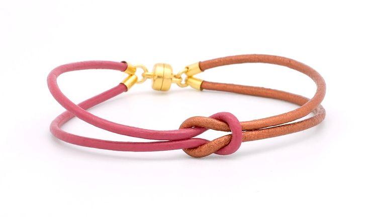 Un bracelet discret et très élégant àdécliner aux couleurs de votre choix.Il se réalise très facilement et pourra se porter en toutes occasions. Pour cette réa