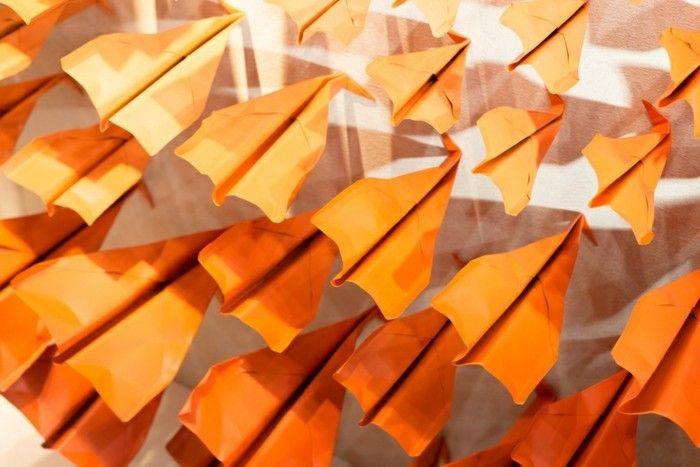 les 25 meilleures id es de la cat gorie avion en papier planeur sur pinterest avion en papier. Black Bedroom Furniture Sets. Home Design Ideas