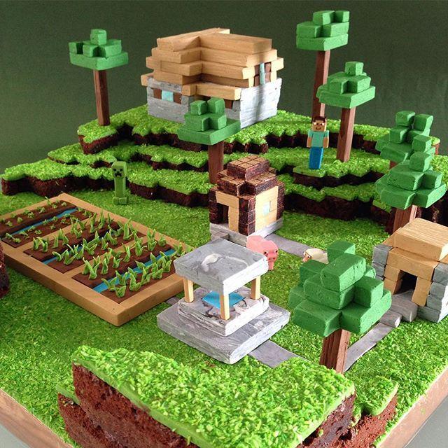 Minecraft cake #minecraft #minecraftcake #minecraftpig #minecraftsheep #minecraftsteve #minecraftcreeper #minecraftvillage #cakedesign #cake #cakesculpture ...