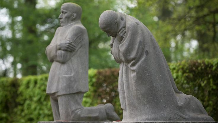 The Grieving Parents (Die traauernden Eltrern), 1924–32 in the German military cemetery at Vladslo, Belgium (previously at Roggevelde)