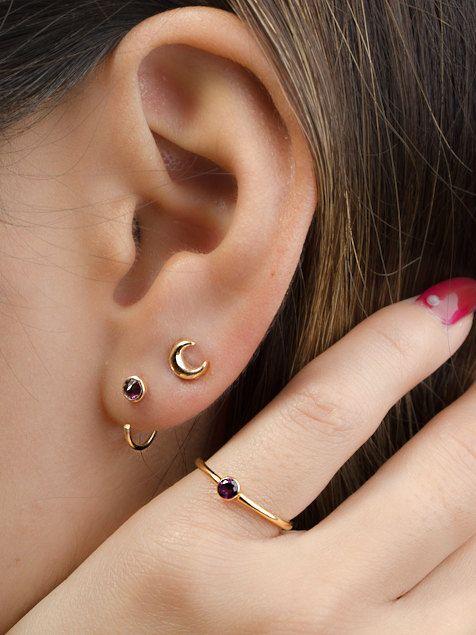Cerceaux de petit câlin grenat pourpre, argent & plaqué or, pierres précieuses Hug minimaliste bijoux Boucles d