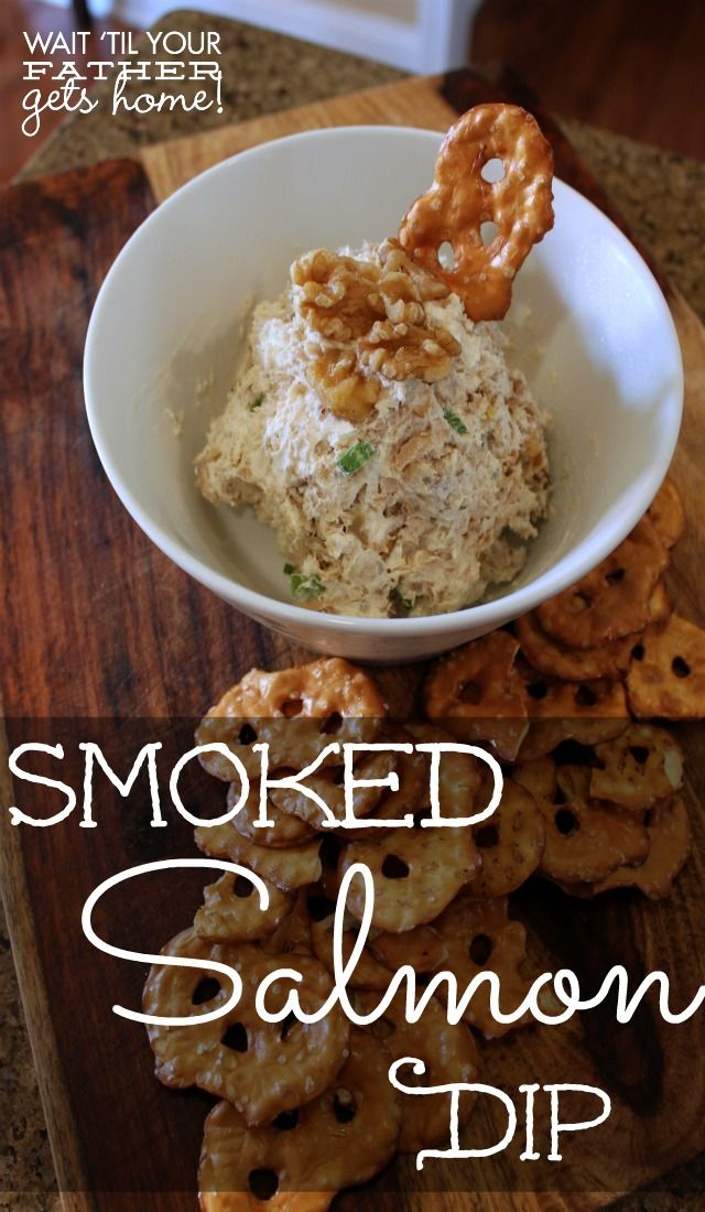 Super easy and addictive smoked salmon dip - perfect for the holiday party season!